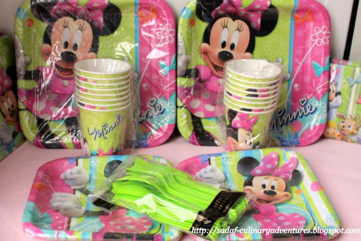 Minnie's Bow-tique plates, napkins, cutlery, cups from Party City